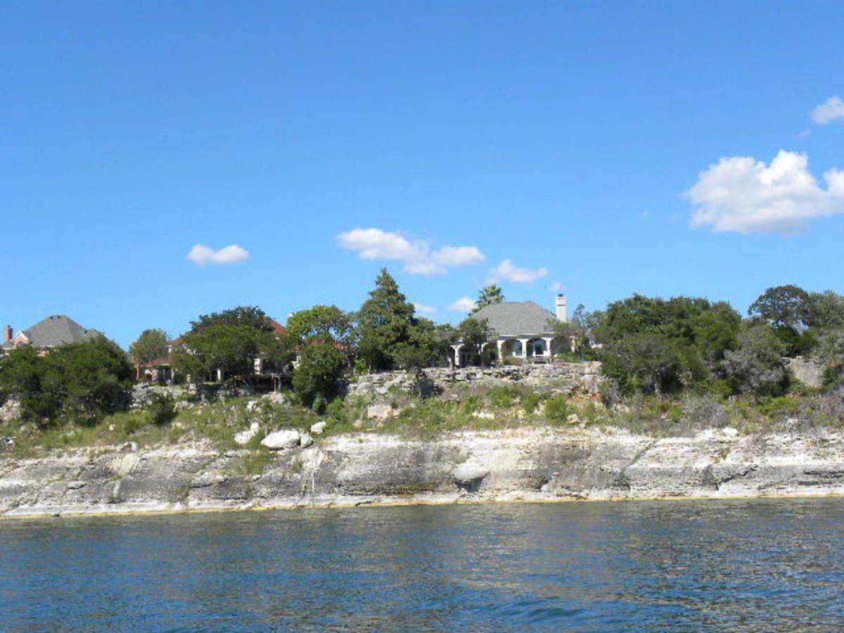 Luxury Homes on Lake Belton TX