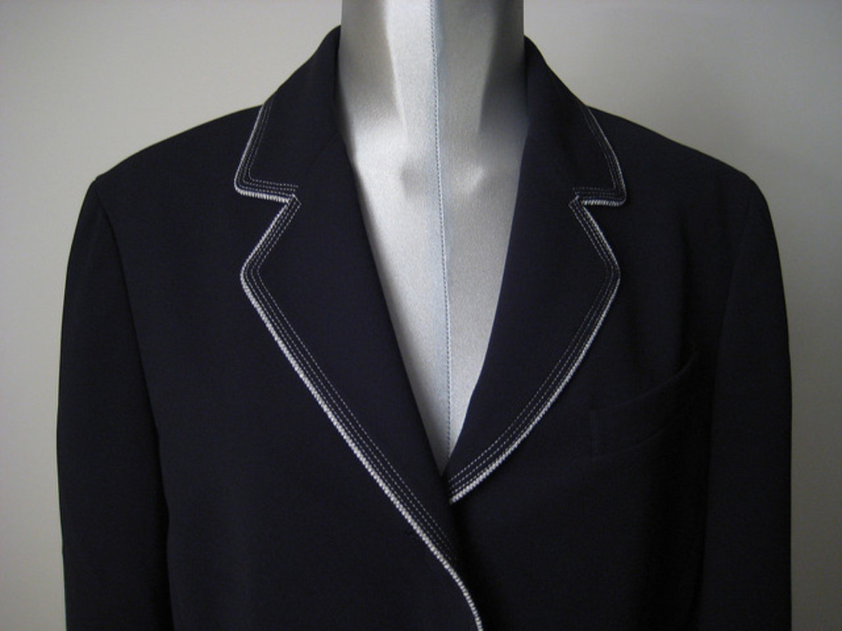 A black or navy blazer can be paired with jeans, leggings or khakis for a versatile wardrobe piece.