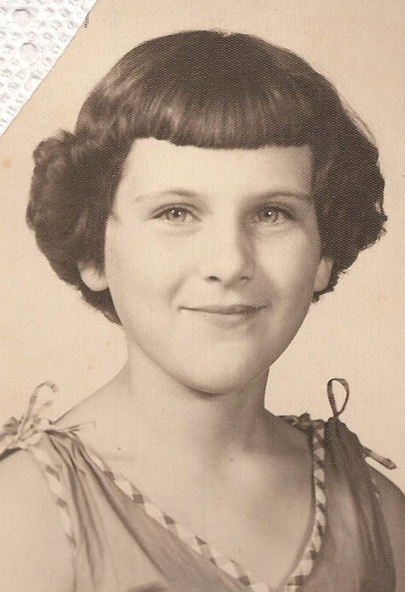 Oh, those short bangs and permed curls!