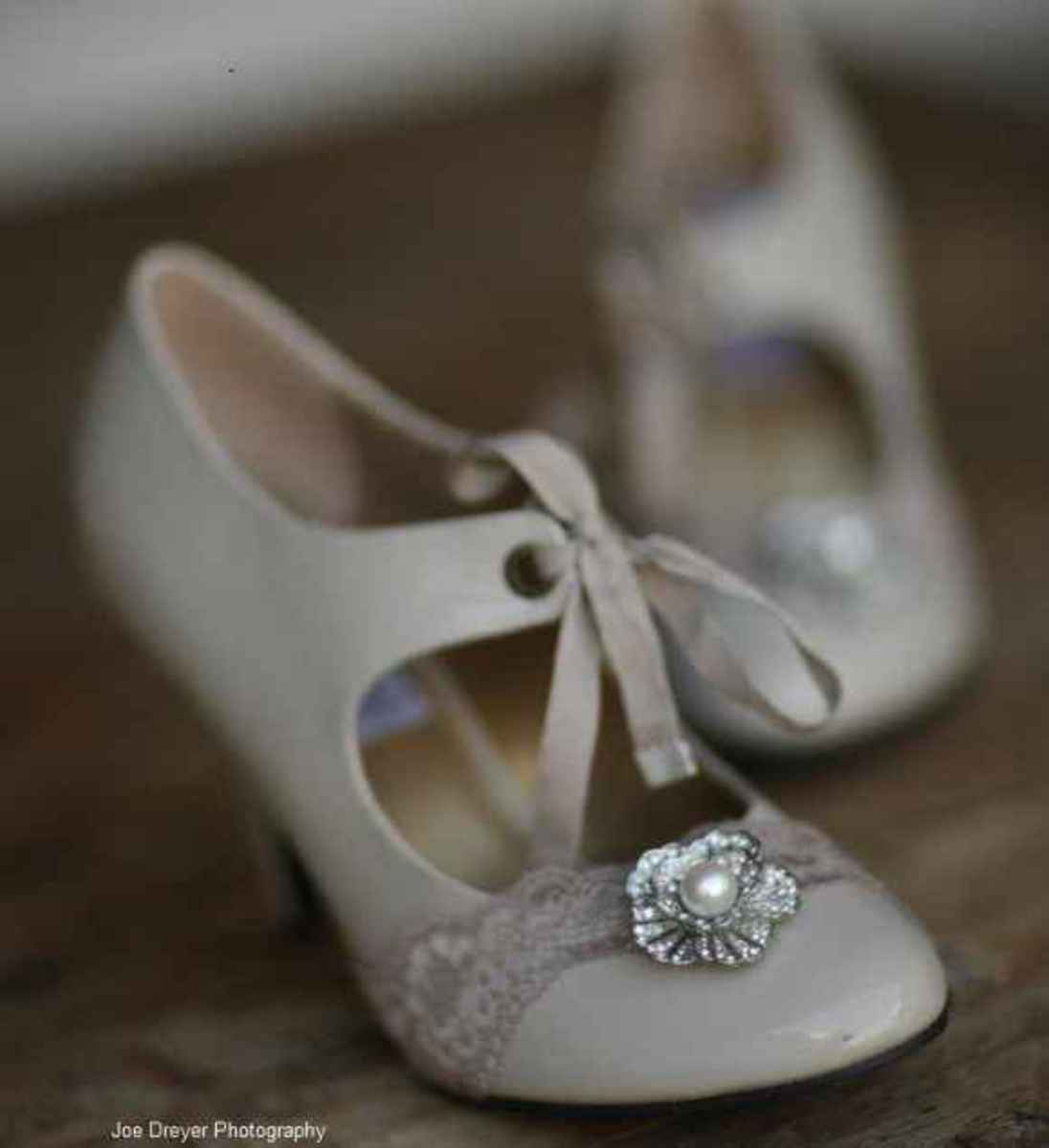 vintage inspired wedding shoes wedding shoes retro vintage to classic styles 8285
