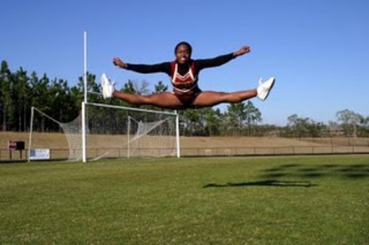 simple-exercises-to-dramatically-improve-your-cheerleading-jumps