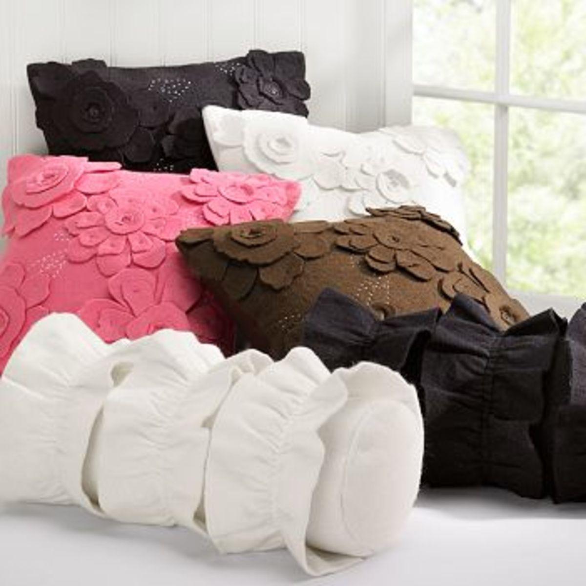 DIY Pottery Barn Knock-Off Pillows