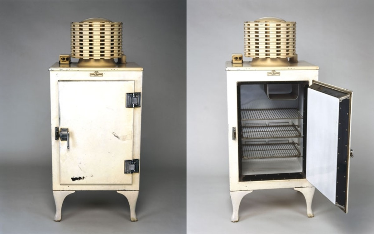 1934 GE Monitor-Top Refrigerator, source: www.antiquevintageappliances.com