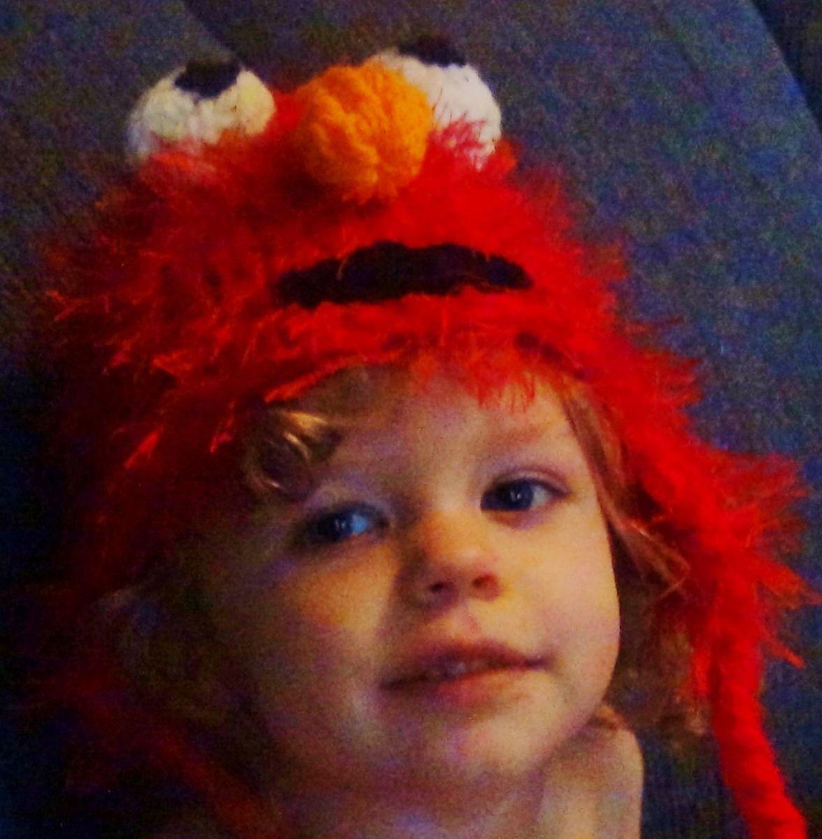 Knifty Knitter Elmo Hat