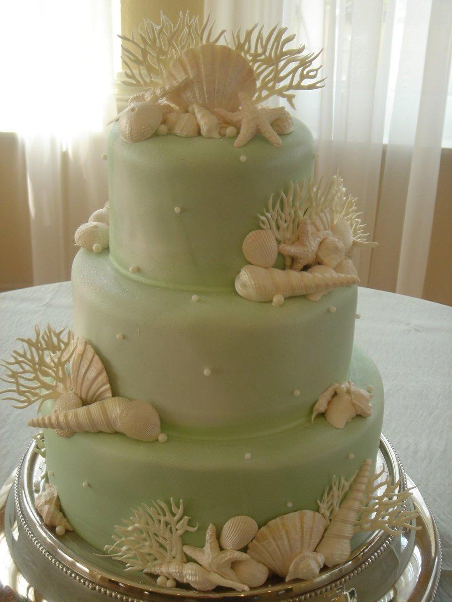 Beachthemed Wedding Cakes
