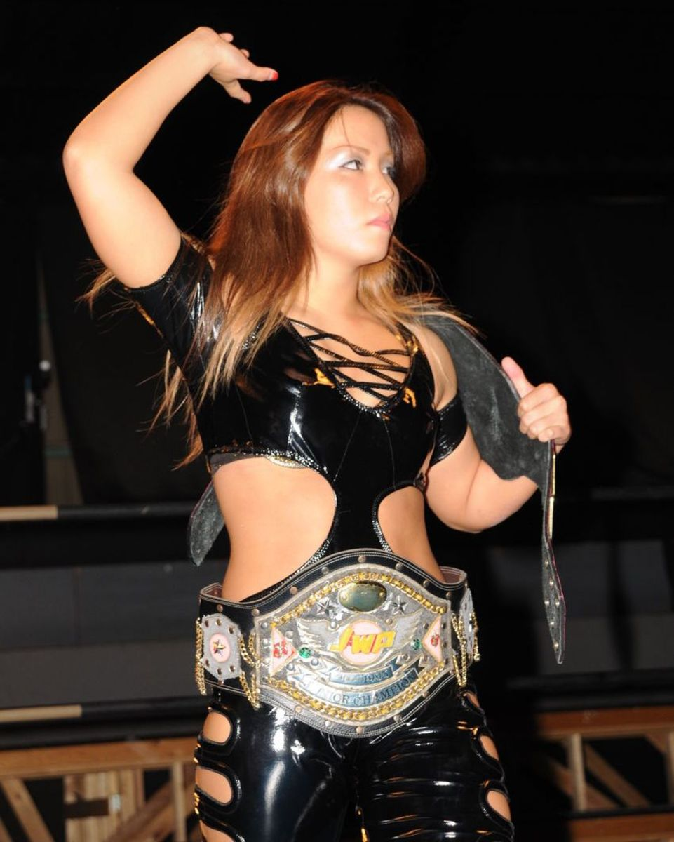 Japanese female wrestler Hiren