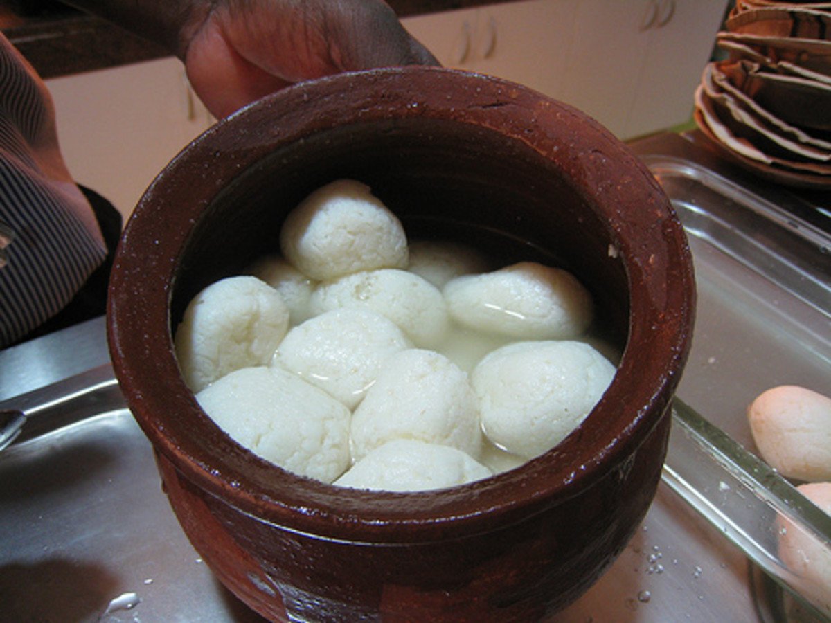 Delicious Rasgullas In An Earthen Pot