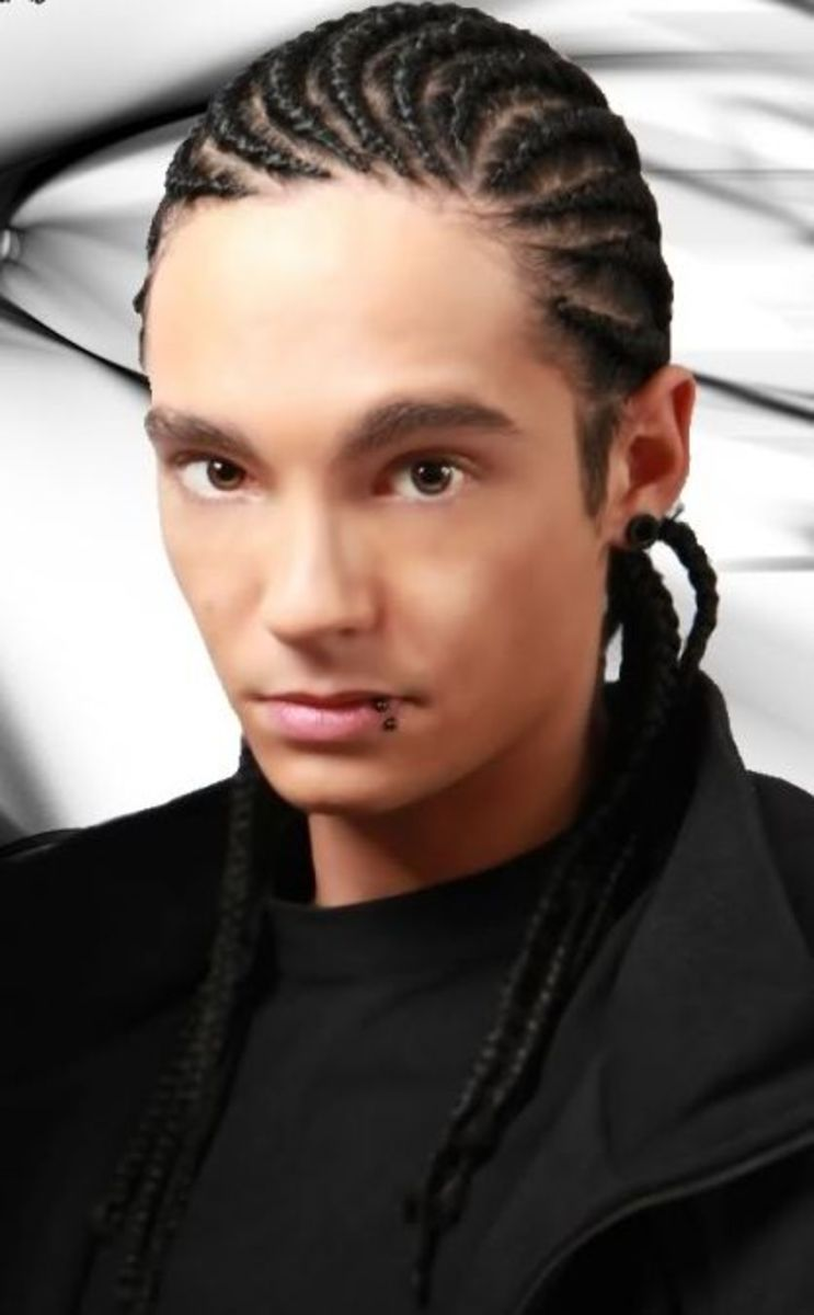 Tom Kaulitz cornrows hairstyle.