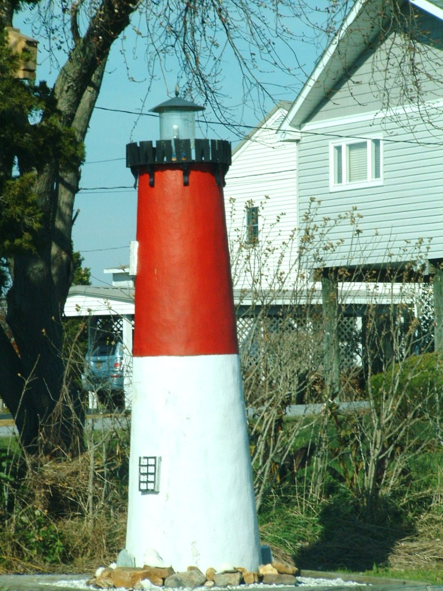 This was another tall lighthouse in a private yard at Slaughter Beach.
