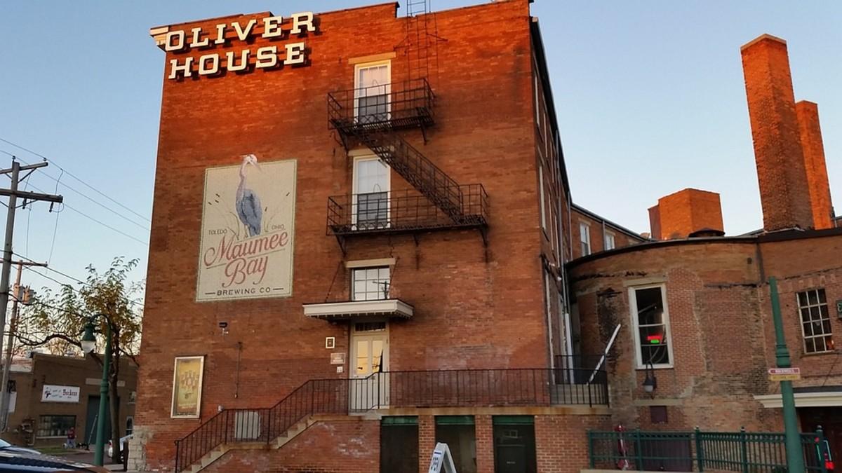 Historic Oliver House Inn.