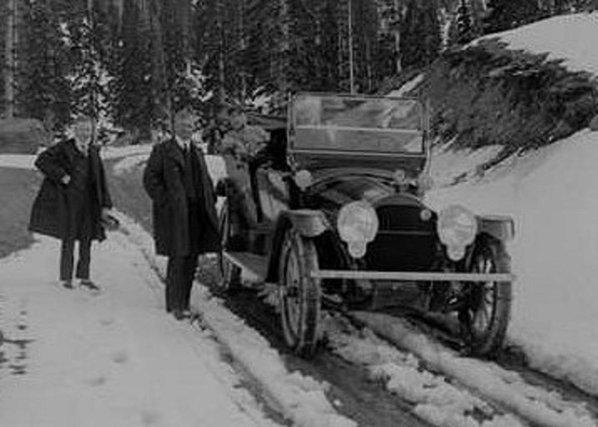 1913 Packard