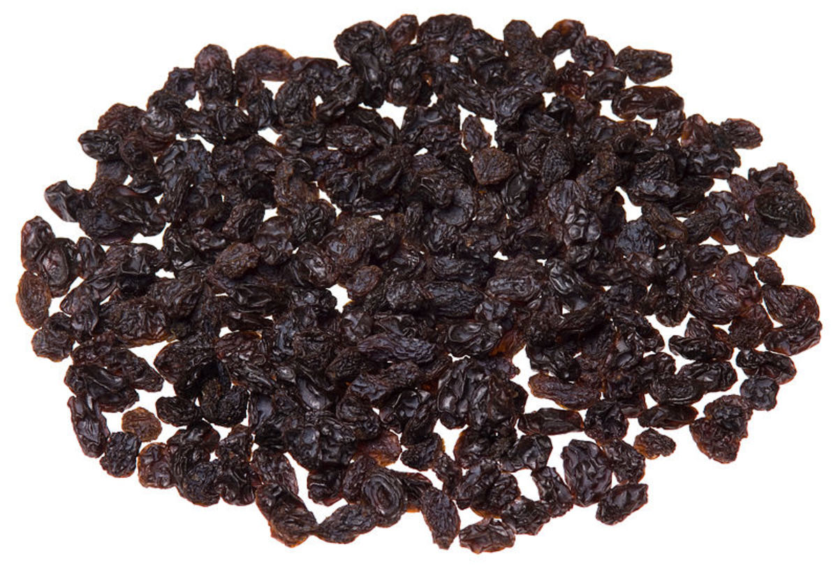 Black raisins. Raisins, being very rich in iron, are potent blood purifying foods.