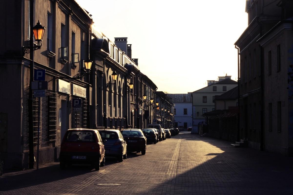 Urban shots with Canon 50mm f/1.8 II
