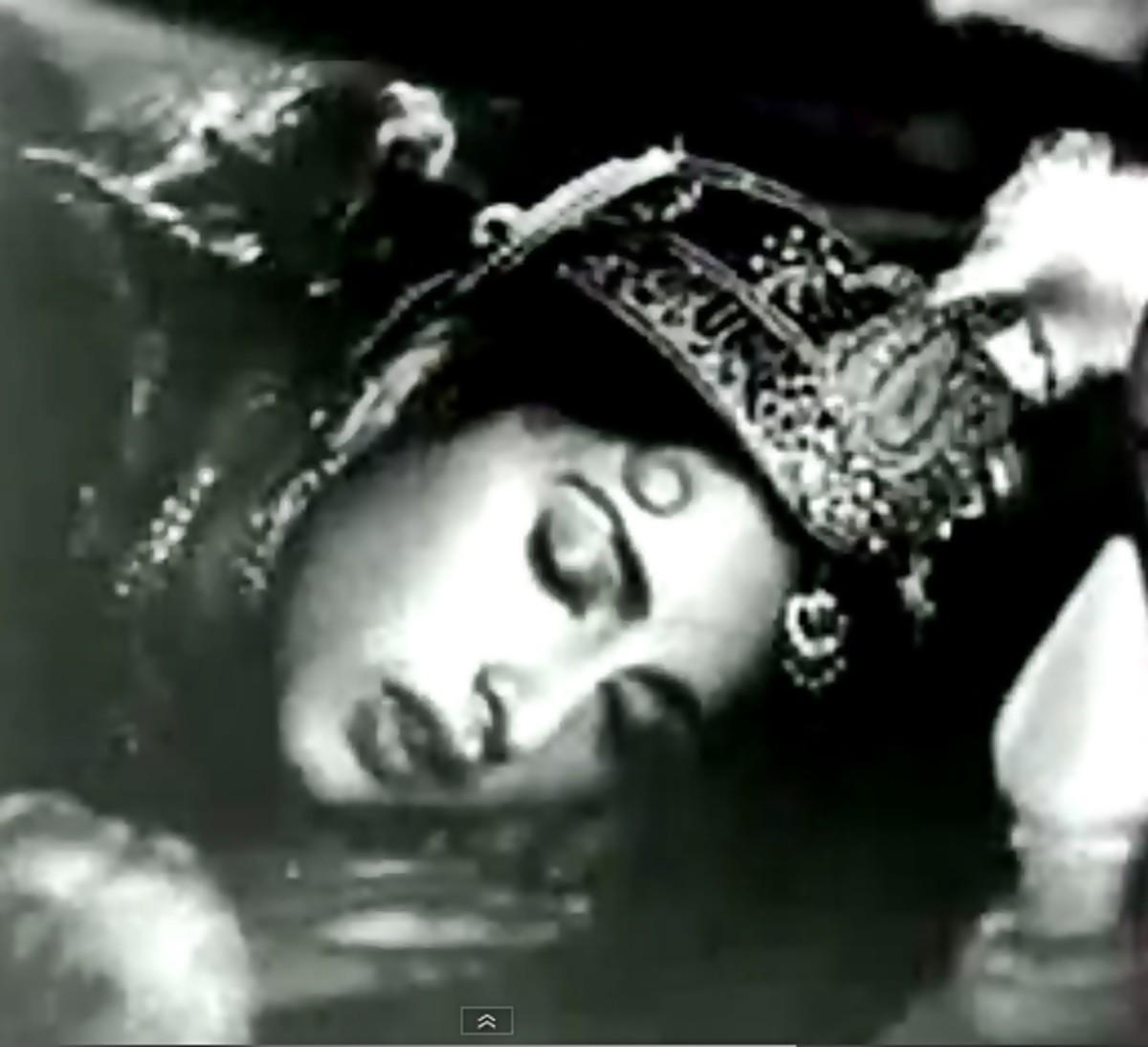 A great duet, based on Raag Bageshwari by Lata Mageshkar & Hemant Kumar
