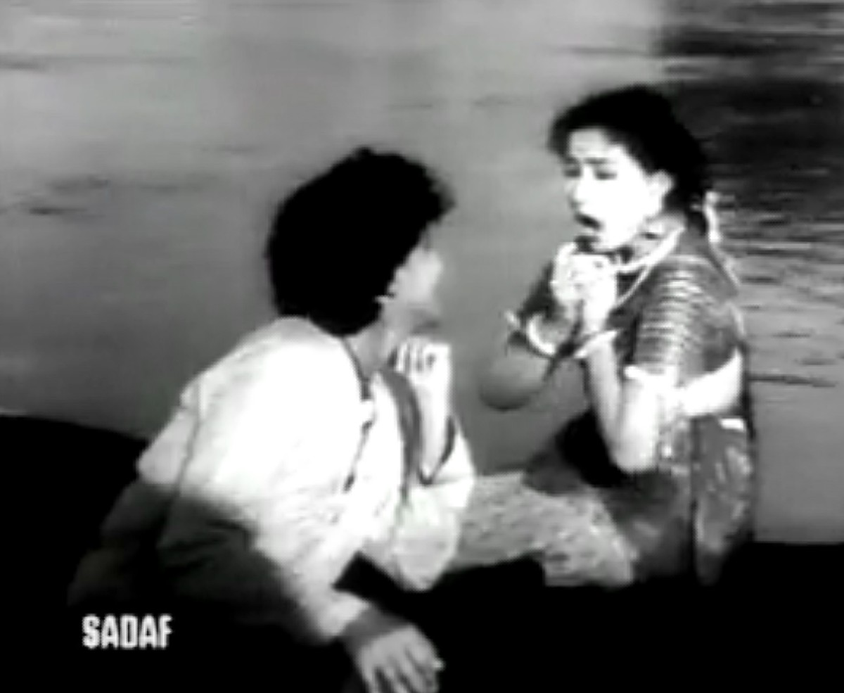 Baiju Bawra, featuring Meena Kumari & Bharat Bhushan, is a landmark musical in Bollywood history. It ushered in an era of songs based on classical ragas, often referred as the 'Golden Era' of Bollywood music.
