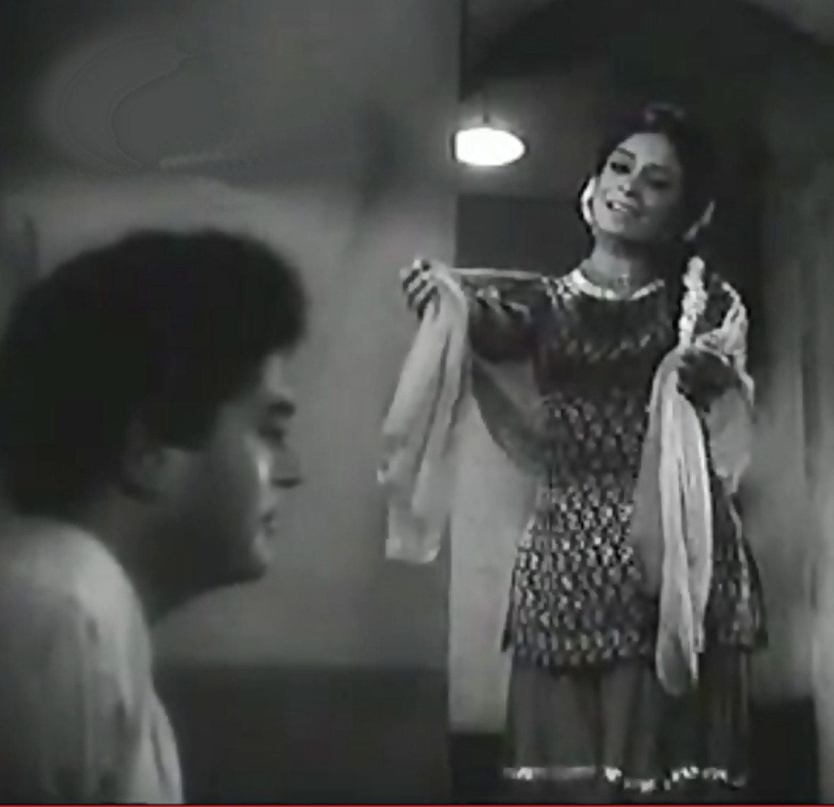 A great exposition of Raga Charukesi by the living legend, Lata Mangeshkar. This song is featured on Rehana Sultana & Sanjeev Kumar, in a movie with a very unique plot.