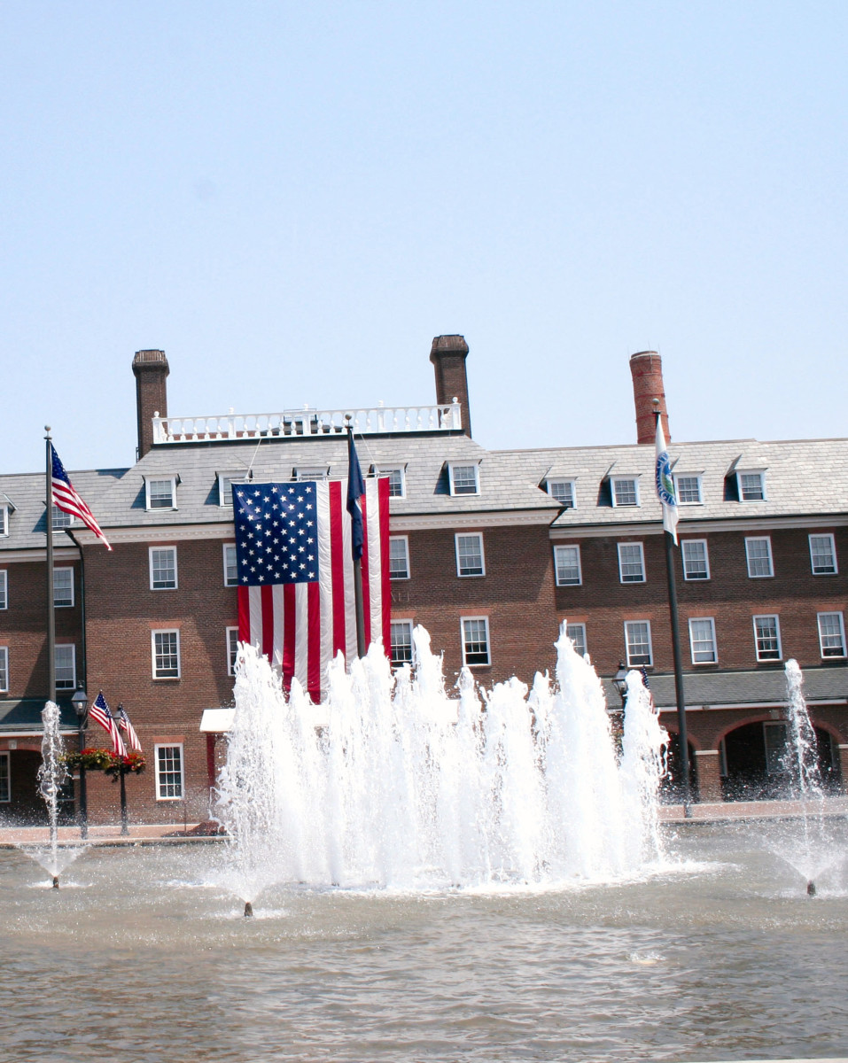 Fountain in Market Square. George Washington drilled his troops here (before the fountain) and slaves were bought and sold here. Farmer's Markets are still held here on Saturday mornings.