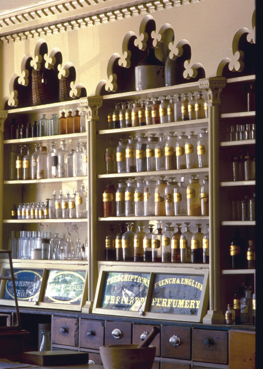Interior of Stabler-Leadbeater Apothecary.