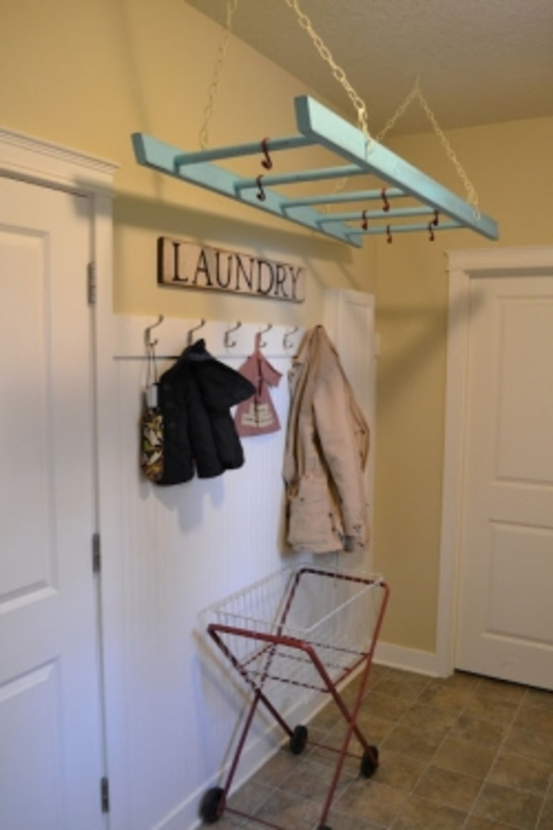 DIY Ladder Clothes Drying Rack