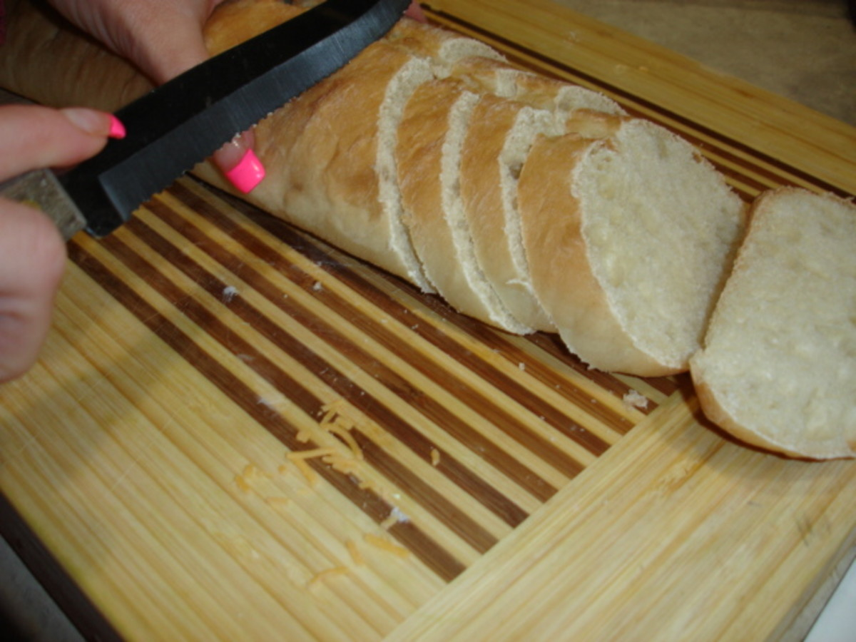 Sliced Ciabatta bread for the Pappadeaux lump crab meat spinach au gratin