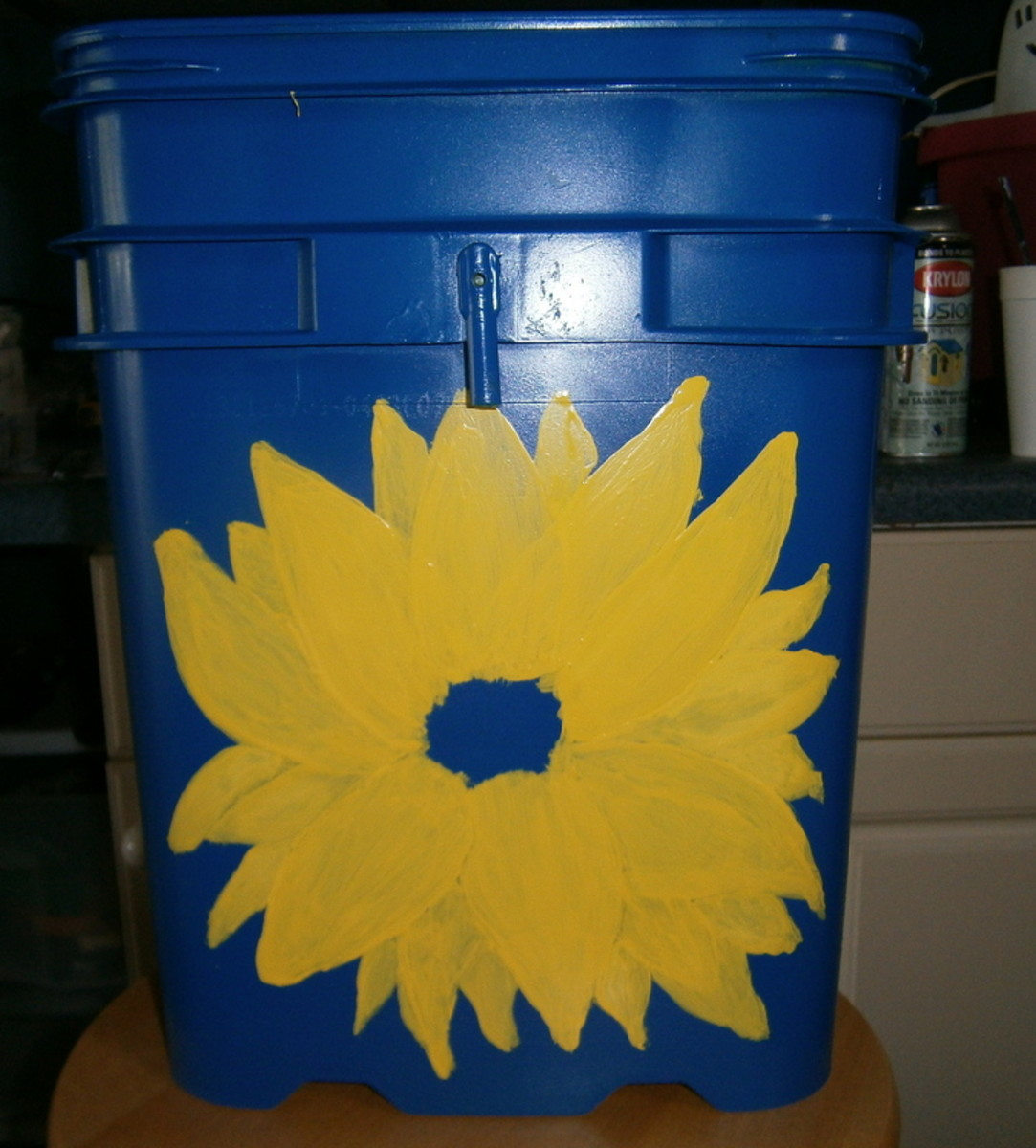 make-a-flower-pot-from-a-cat-litter-bucket