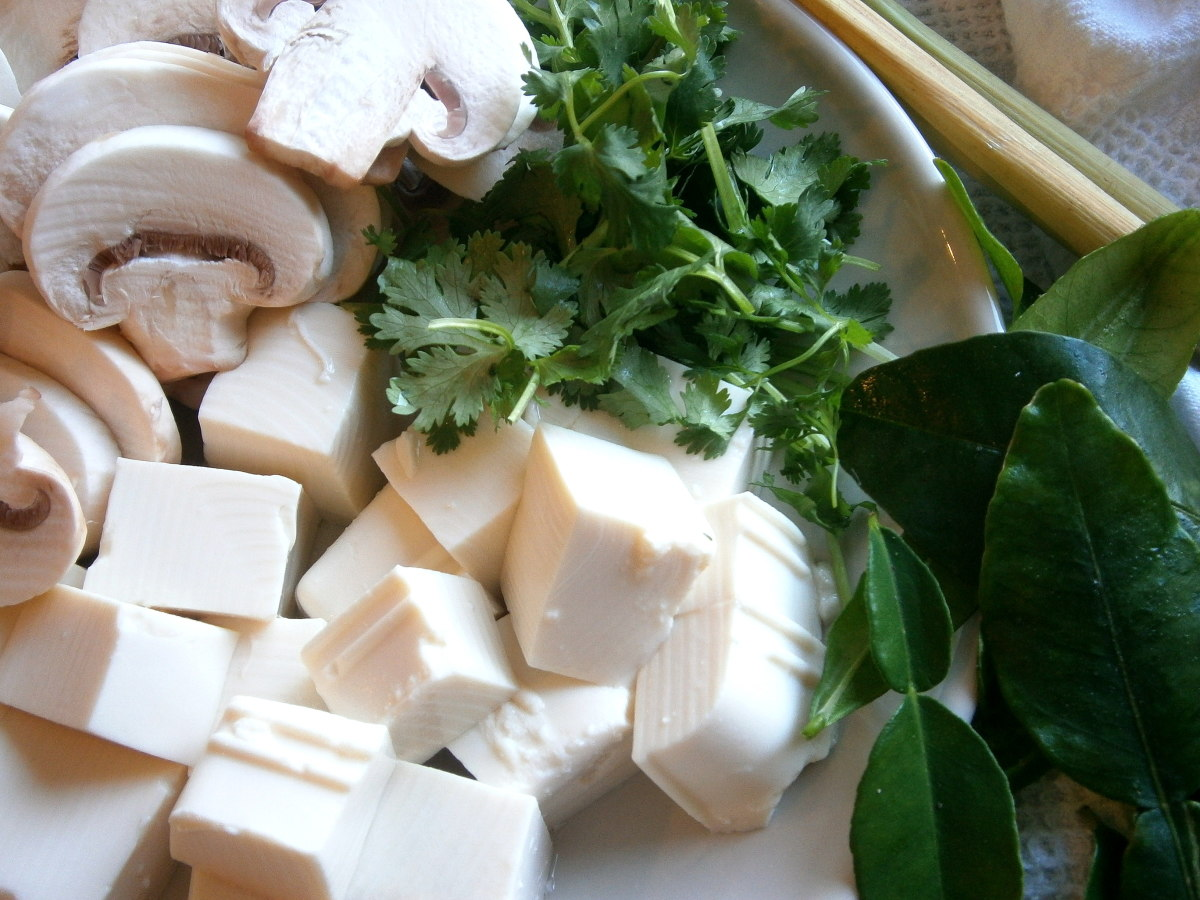 Cubed soft tofu, sliced button mushroom, cilatnro and kaffir leaves make up the rest of the fresh ingredients..