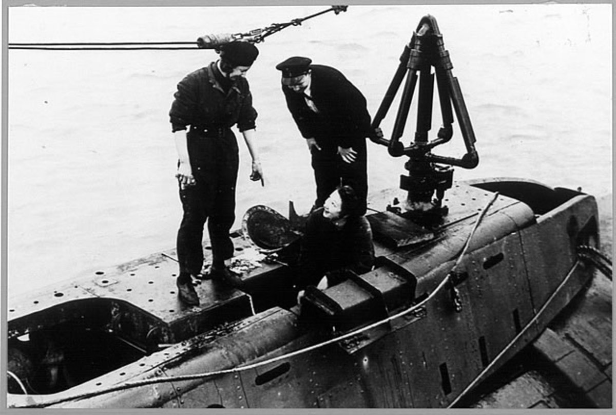 Wrens working on a submarine