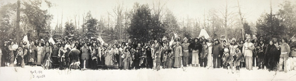 Iroquois people in 1914