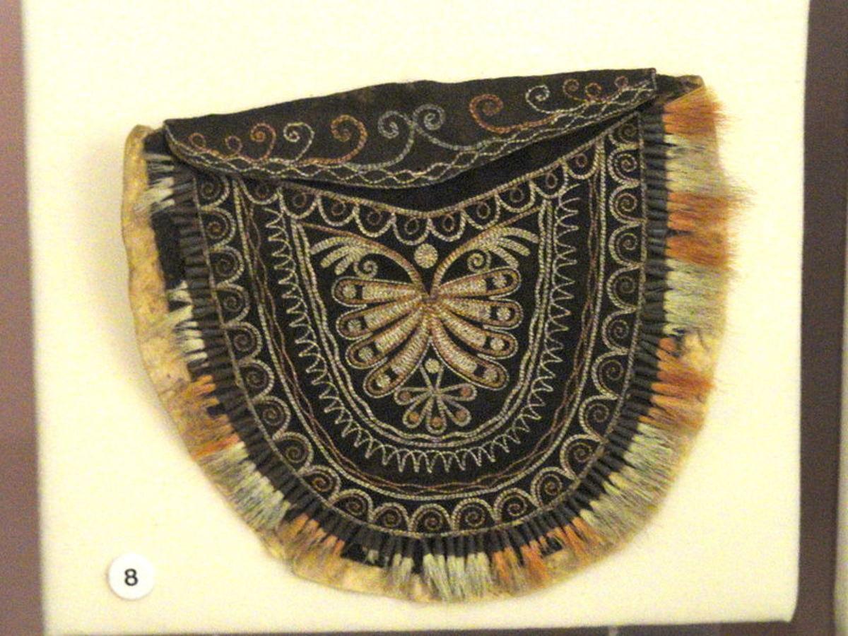 Iroquois deerskin bag
