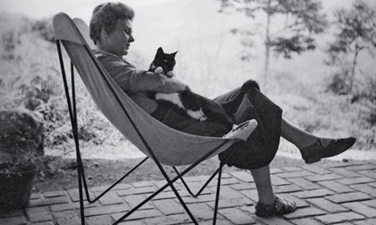 Elizabeth Bishop and a creature that could turn on her at any time.