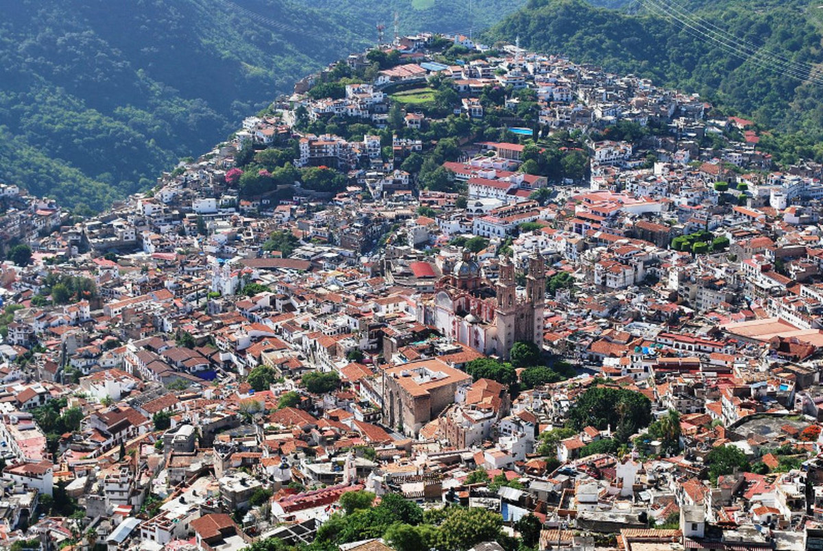 Taxco is one of the most famous locations where Mexico silver jewelry is made.