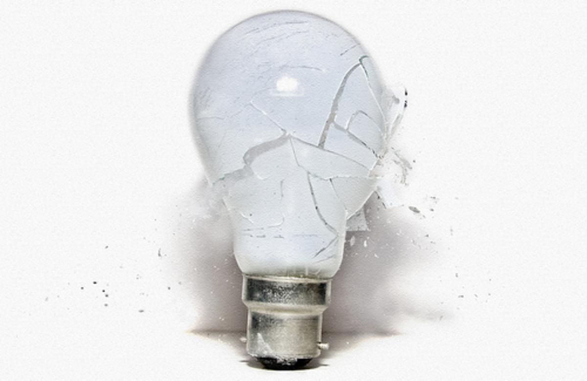 Broken Light Bulb - a Metaphor for the Light Bulb Wars?