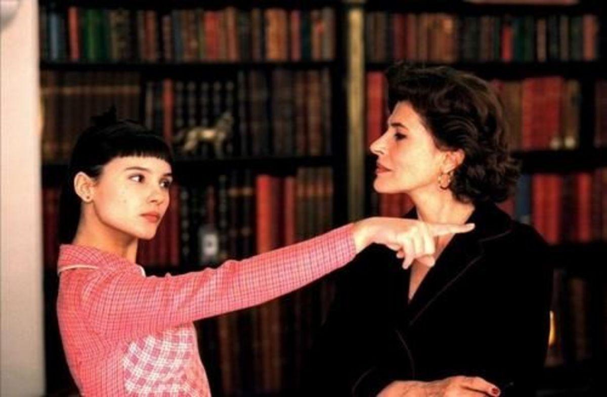 Virginie Ledoyen as Suzon & Fanny Ardant as Pierrette from 8 Women