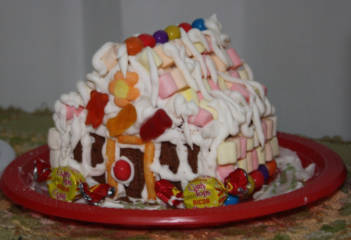 Another Graham Crackers Gingerbread House with Marshmallows and Haribo Gums Candies.