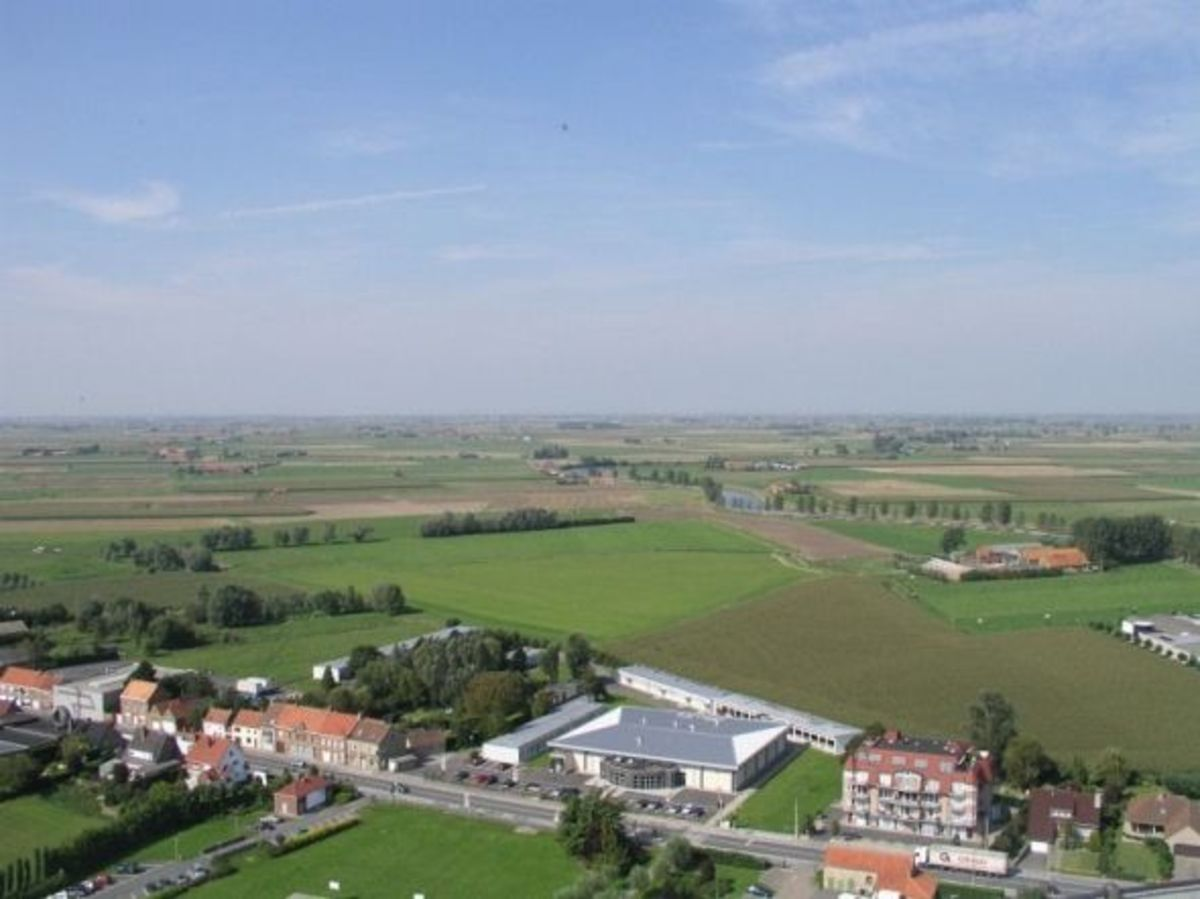 Overview of the Yser River: at the right border of the river were the German linies, on the left the land that was flooded during the war.