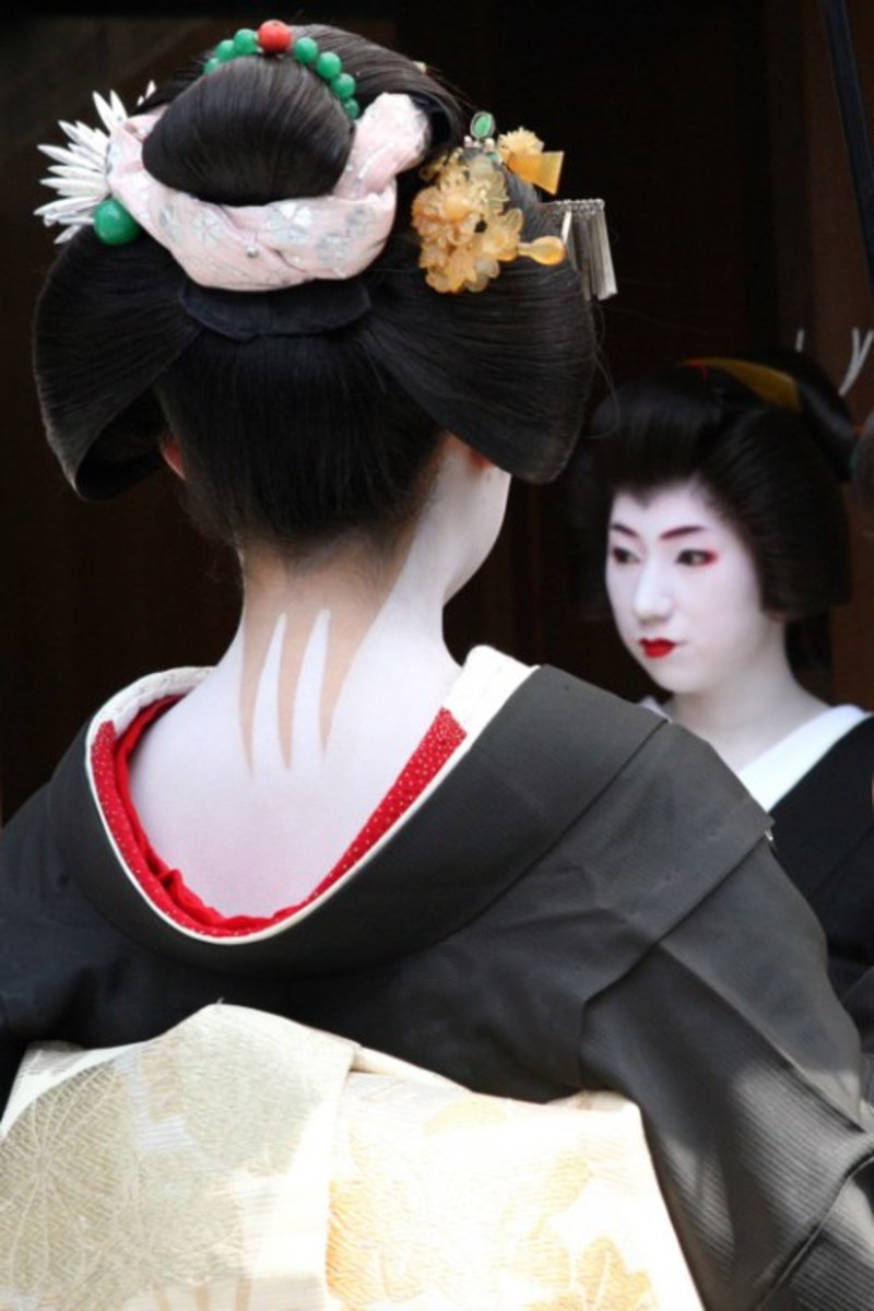 Yakko-shimada - This style geisha hair do is worn on special occasions
