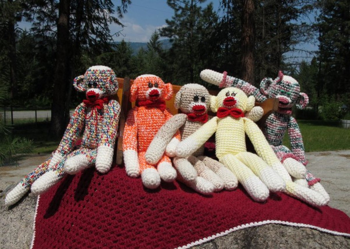 Wondering what to do with left-over yarn? Why not turn it into crocheted animals.