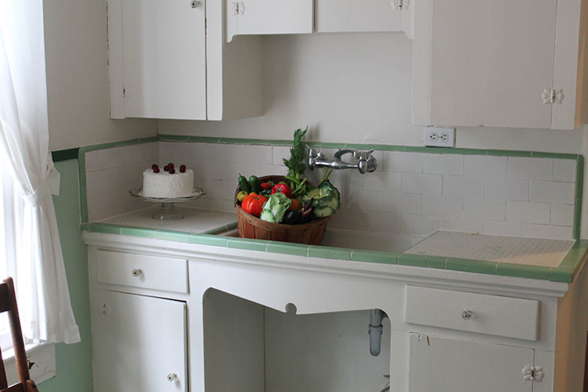 White Cabinets and large kitchen sinks.