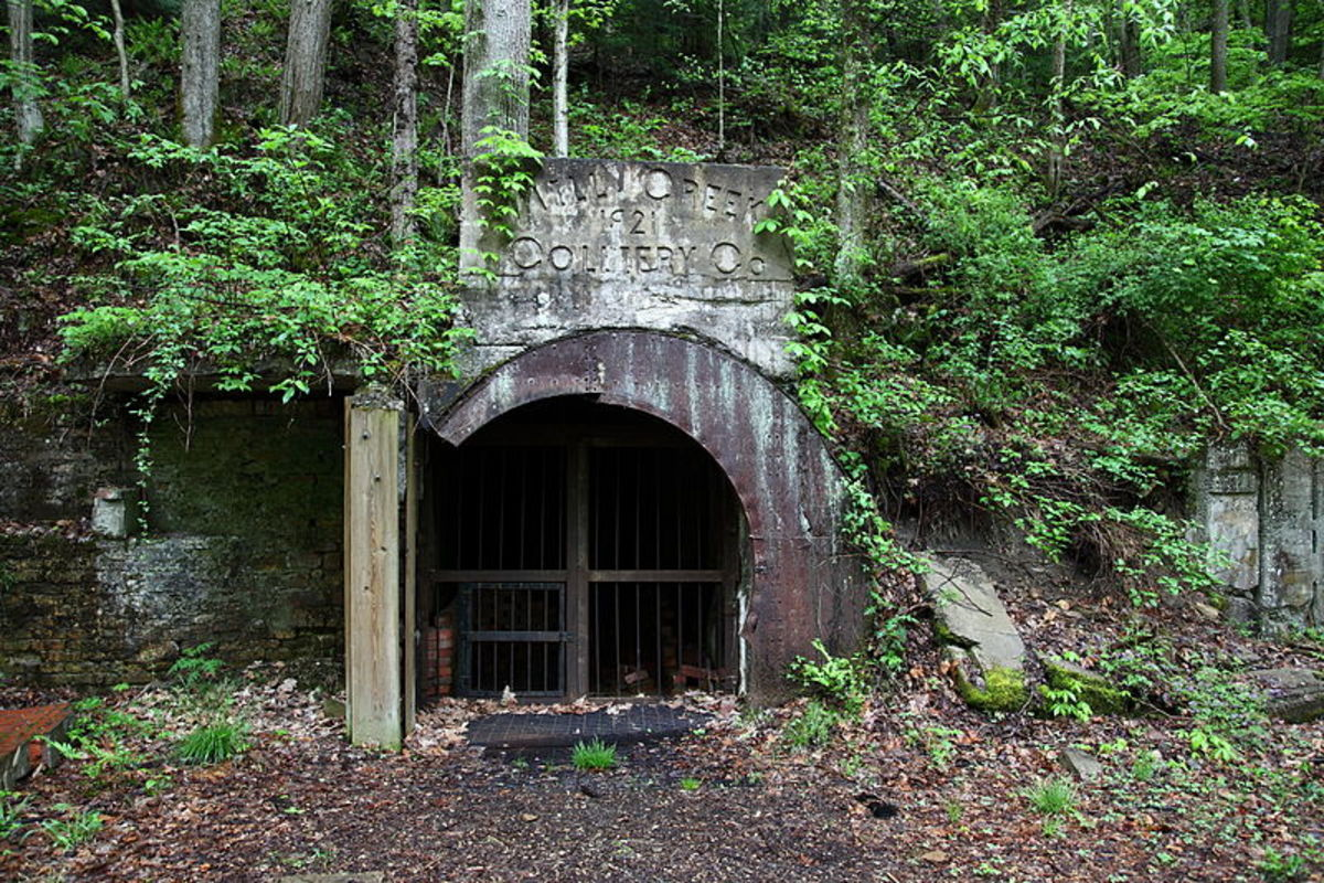 Abandoned coal mine within Hawk's Nest State Park