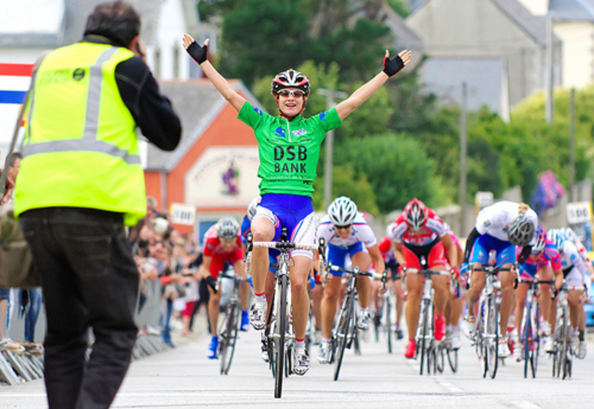 Marianne Vos taking yet another road race vistory in a bunch sprint.