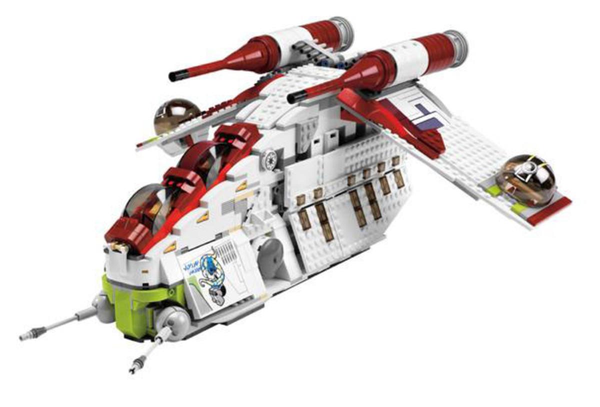 LEGO Star Wars Republic Attack Gunship 7676 Assembled
