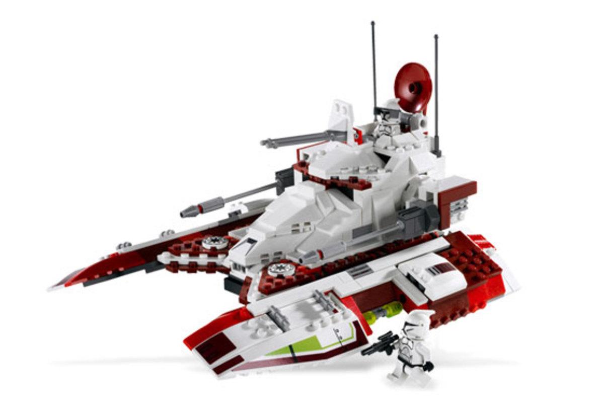 LEGO Star Wars Republic Fighter Tank 7679 Assembled