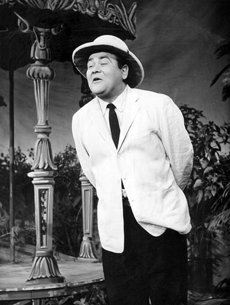 Jonathan Winters performing in 1956 on The NBC Comedy Hour