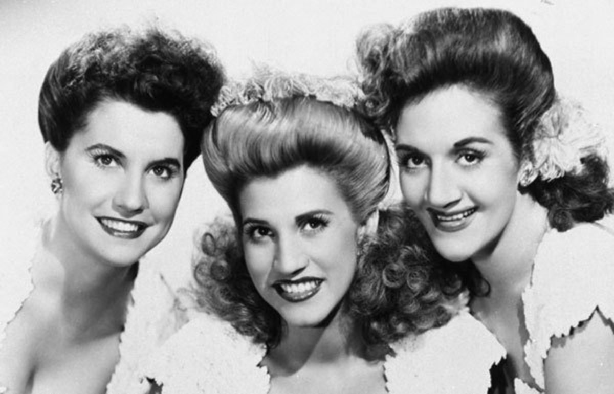 Patty Andrews, center, was the last surviving sister of the Andrews Sister singing trio
