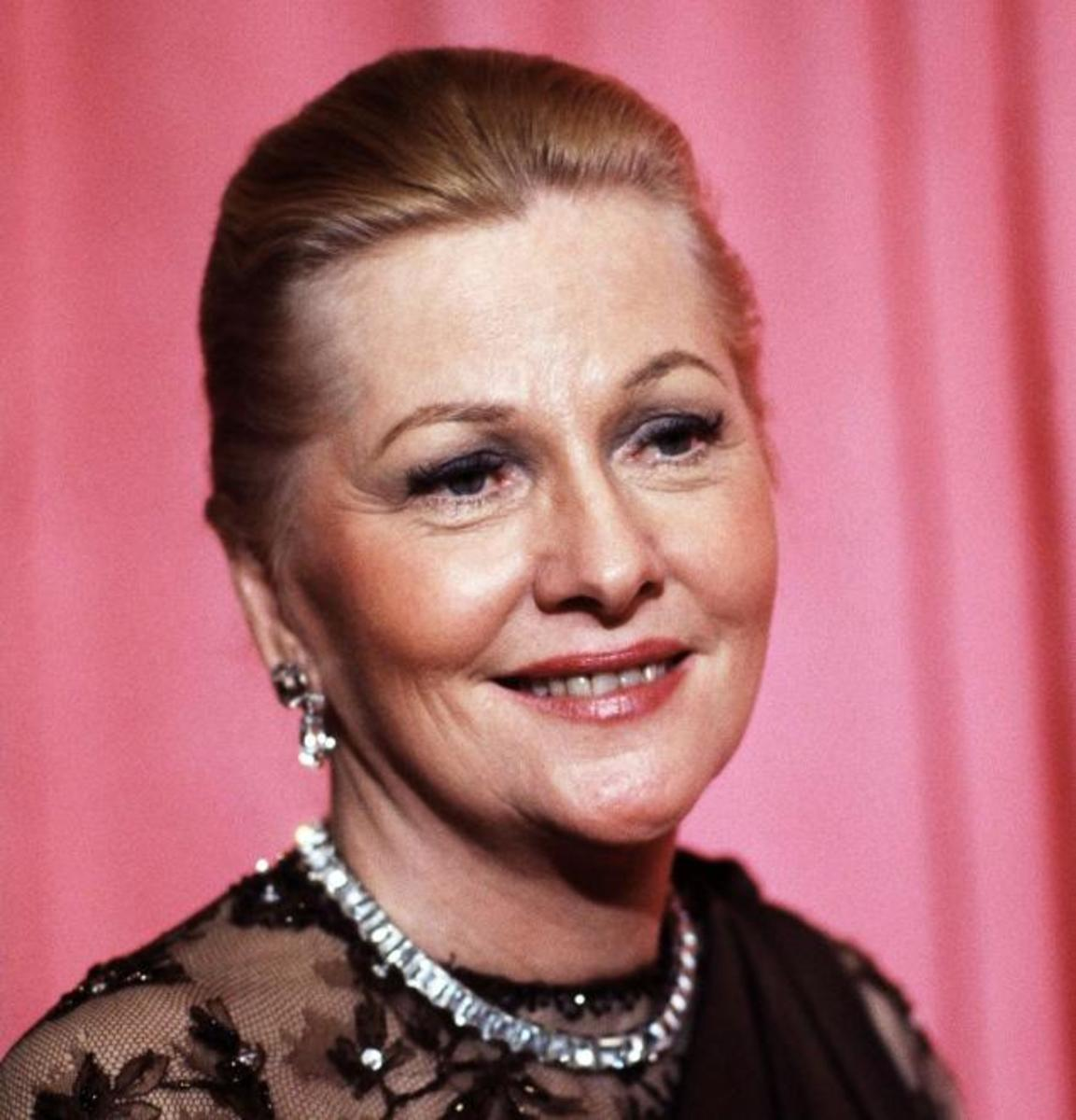 Joan Fontaine at the 1978 Academy Awards