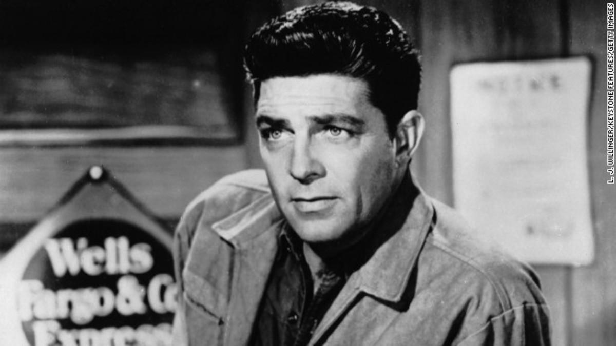 Dale Robertson, as Jim Hardie, on set of Wells Fargo series, 1961