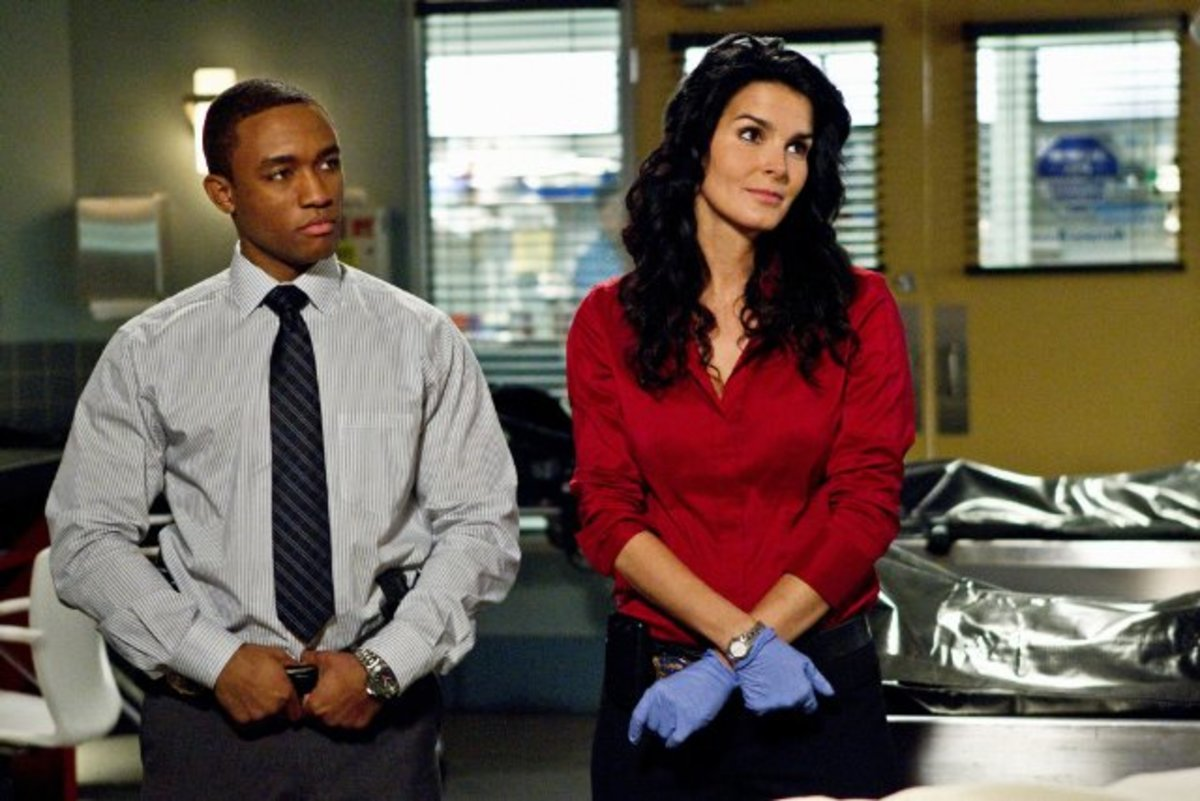 Lee Thompson Young appearing with Angie Harmon on the series Rizzoli & Isles in 2010.
