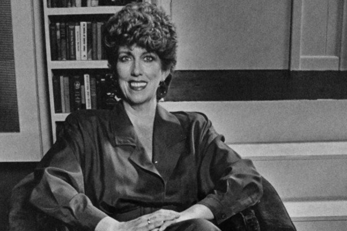 Marcia Wallace on the set of The Odd Couple stage play in 1985 which Neil Simon adapted to a female version. Marcia starred as Olive Madison.
