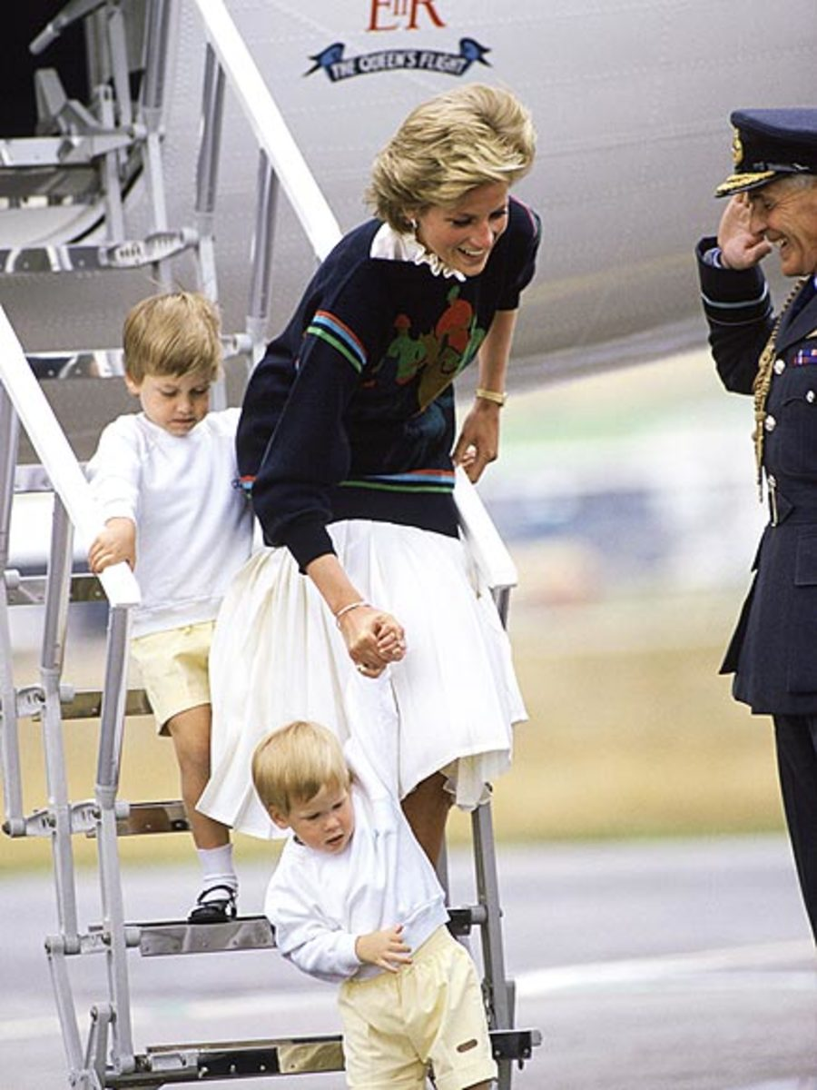 Princess Diana with her two boys, Harry, age 2 and William, age 4 in 1986 at Aberdeen Airport
