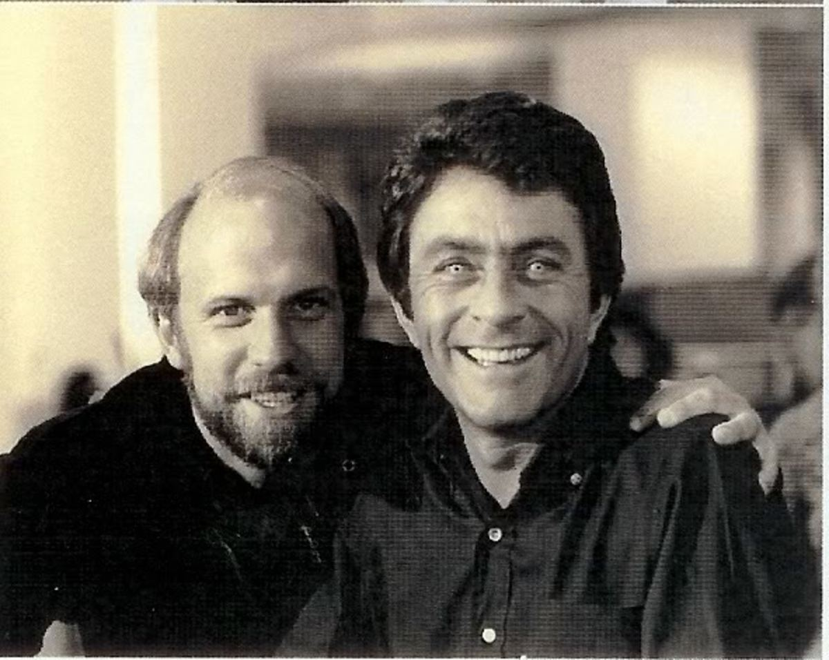 Kenneth Johnson and Bill Bixby, who is wearing the green hulk contacts.